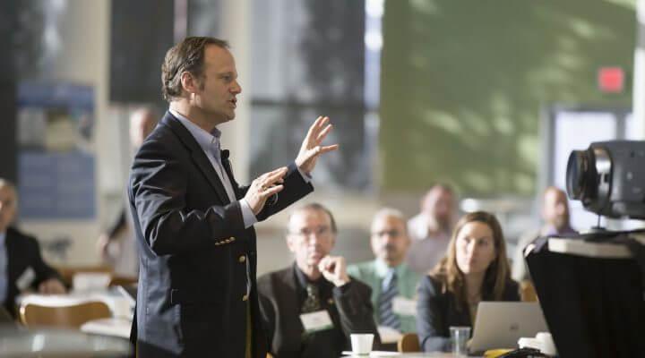 7 Public Speaking Fundamentals for Entrepreneur